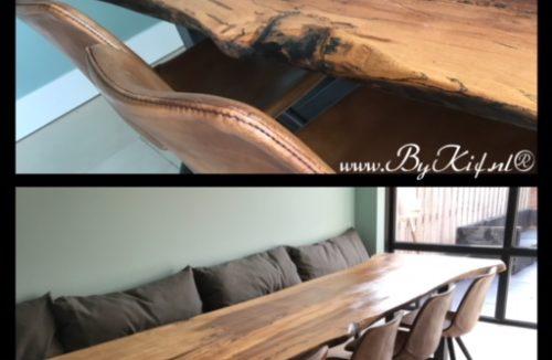 industriele tafel met epoxy boomstamblad