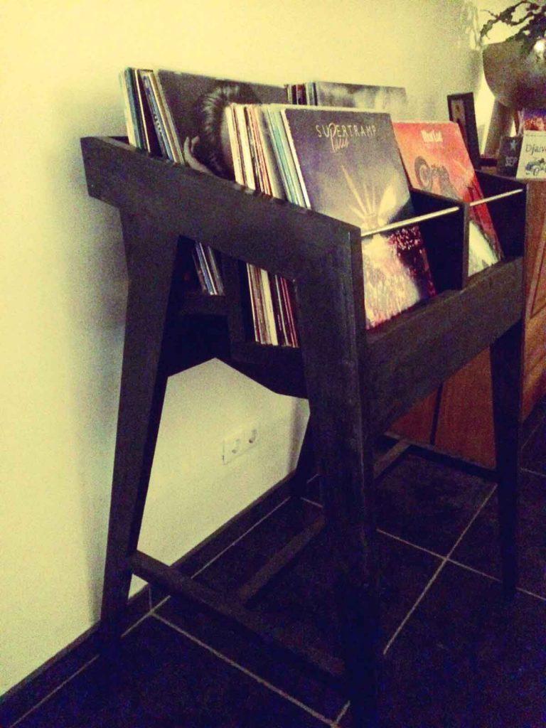 Kast-voor-albums-van-steigerhout